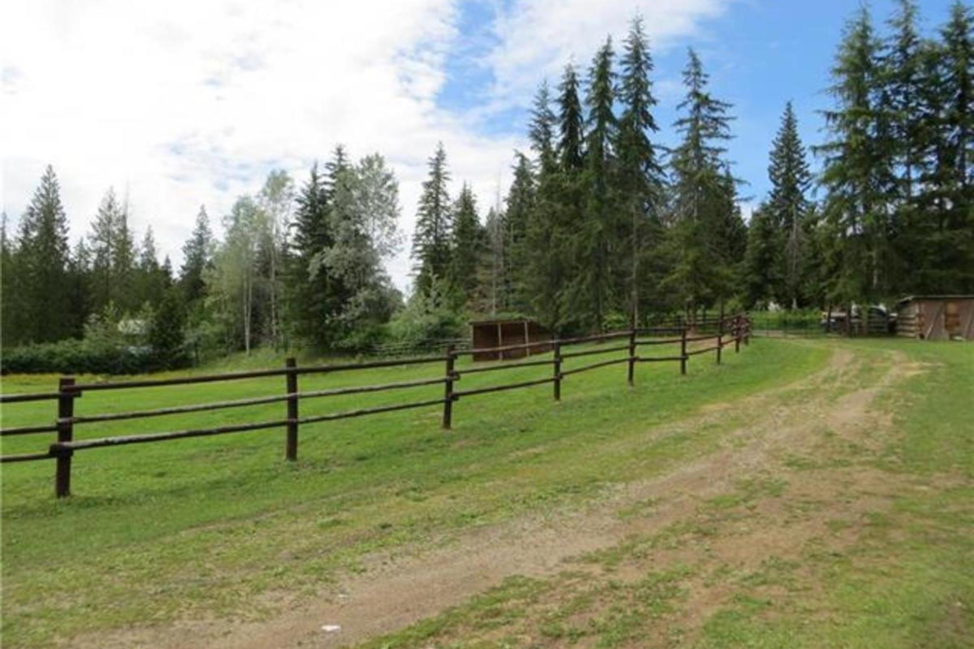 178 Black Road Se, SE Salmon Arm, Salmon Arm